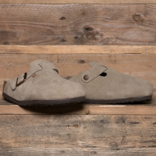 BIRKENSTOCK 560771 Boston Suede Soft Footbed Taupe